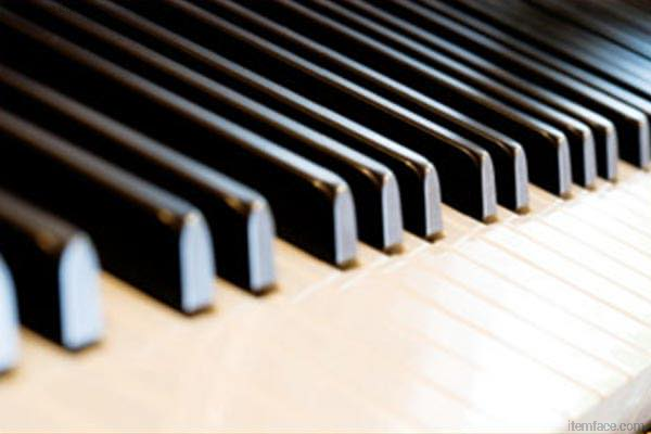 :)LauraTesto Laura Testo - Music Teacher